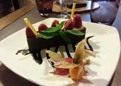 CHOCOLATE BUCHETTE with RED FRUIT