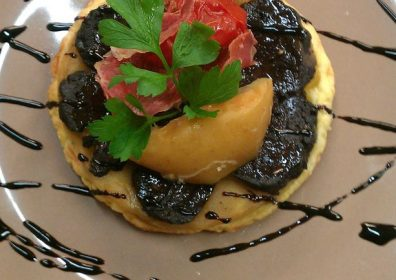 BLOOD SAUSAGE TATIN WITH APPLE